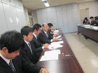 交渉を行う福島高教組